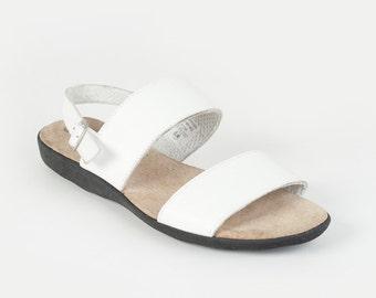 White Leather Summer Sandal - Size 6.5
