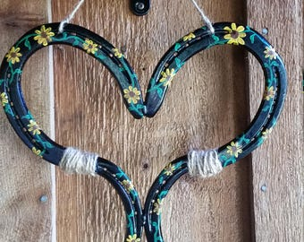 Horse Shoe Hearts and Flowers