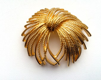 60s MONET Tied Sheaf of Wheat Large Vintage Twist Spray Gold Tone Pin Brooch Christmas jewelry, Christmas gift, Gift for her