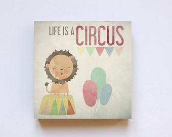 Print 'Circus' on wood 20 x 20