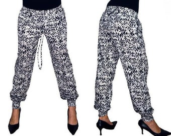 L Stylish Women Pant With Elegant Look