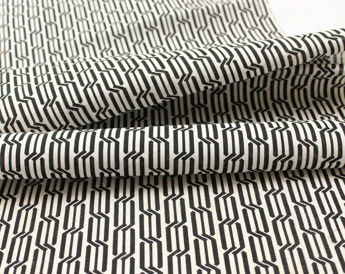Japanese Vintage Yukata Cotton. Traditional Hand Dyed Fabric. Black White Geometric (Ref: 1814)