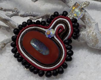 "Pendant soutache ""Machu Picchu"" Burgundy and black"