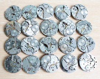 Set of 20 watch movement parts / not complete / Featured circle dials / Steampunk supplies / Watch movements  / Vintage / Steampunk Findings