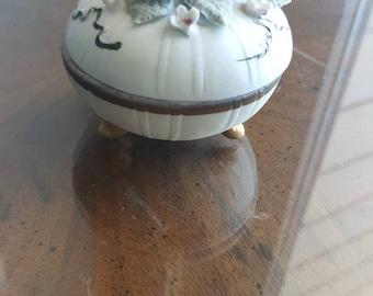 Lefton Footed Powder Jar / Trinket Box