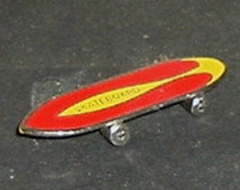 MINIATURE SKATE BOARD (Colors May Vary)
