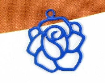 Set of 4 Fine ultramarine blue filigree flower charms - 14 mm