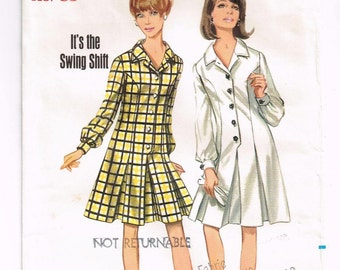Vintage Butterick Dress Sewing Pattern 4457 in FACTORY FOLDS