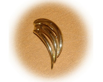 Vintage Piscitelli Gold Tone Brooch 1980s
