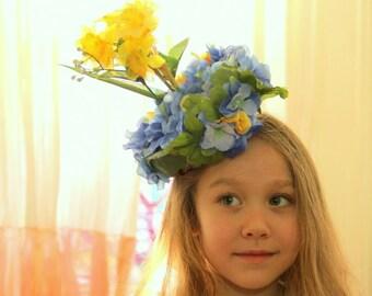 Daffodil hat,  Mad Hatter Tea party hat, garden party hat, Daffodil headpiece,  tea party decor, flower hat, tea hat, Alice in Wonderland