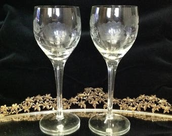 Pair of 6 oz white wine glasses etched crystal glass floral pattern stemware glassware barware wedding toast romantic cottage chic serving