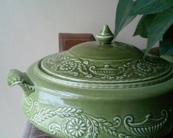 Canonsburg Pottery covered dish