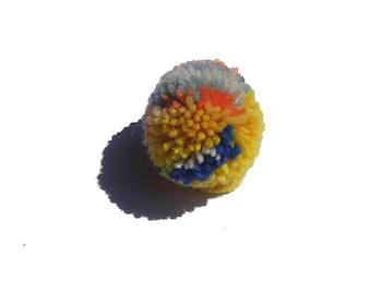 Bobble Pompoms set with 5 pieces Minibommel Wollbommeln red yellow kunterbunt garlands decoration Partydeko