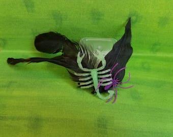 Feather scorpion hair clip
