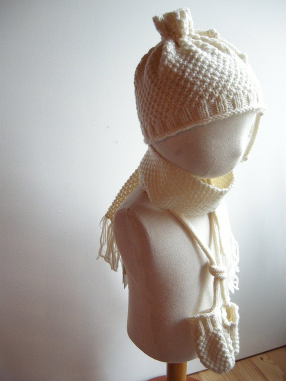 NIGEL - Newborn Irish / Aran Set (scarf, miitens and hat) - Pure merino - Off-white - other colors made to order