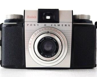 Vintage Kodak Pony II Camera in Original Case (c.1950s) - Photo Collectible
