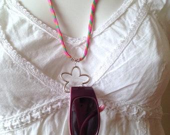 Collier porte-lunettes pour femme, accroche lunettes, collier paracorde Pop rose vert orange et pendentif grosse fleur argenté