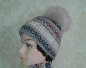 Fair isle beanie pom pom hat-Handmade  beanie with a secret pocket-Teenage Girl wool beanie with a cream color faux fur pom-pom