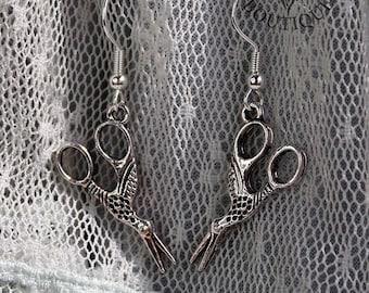 Vintage look scissor drop earrings (Code ESP001)