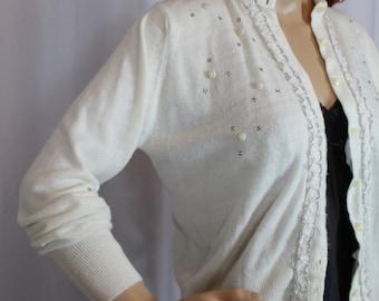 1960s white sweater