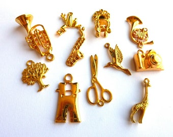 Set of 11 pendants mixed metal gold DY020 L1