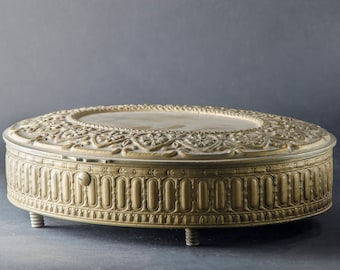 Oval old jewelry box