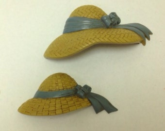 Pair of Vintage Homeco 1950s Wall Plaques in the Shape of Straw Bonnets
