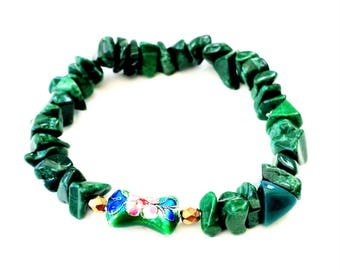 Green Coral stretch bracelet with gold and Cloisonne details