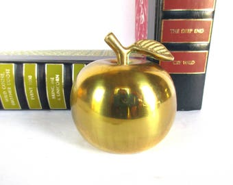 Vintage Brass Apple Bell, Teachers Apple Desk Bell, Vintage Brass Apple Hand Bell, Teacher's Bell, Teacher Gift. Apple Decor Dinner Bell