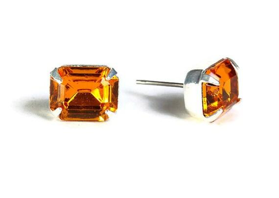 Estate style topaz brown orange rhinestone crystal stud earrings (530)