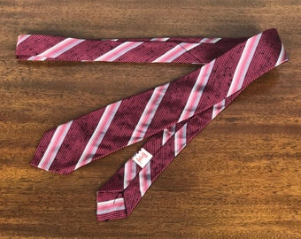 "Vintage 1950s 1960s Mens Necktie | 50s 60s Fuschia Pink Grey Gray Silver & Black Diagonal Striped Tie with Textural Feel by ""Regal"""