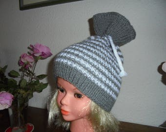Gray and white striped hat size S/M