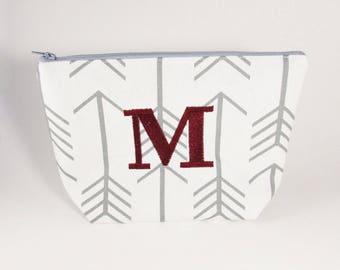 Large Make up Bag Monogram Large Cosmetic Bag - Bridesmaid Bags - Toiletry Bag - Travel Bag - Makeup Travel Case