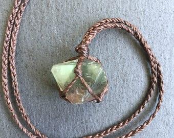 Macrame fluorite necklace, fluorite octahedron, raw crystal jewelry, raw fluorite crystal, fluorite jewelry, green crystal necklace