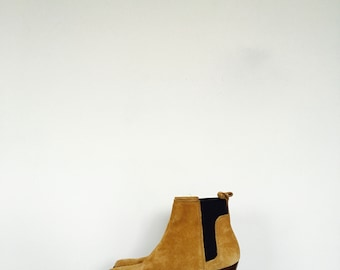 Brown South Western suede ankle cowboy boots. // size 35 Euro