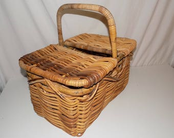 Vintage Wicker Picnic Basket Removable Lid Woven Lunch Box