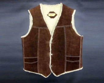 Vintage Wool Lined Suede Leather Vest. Three Snap Buttom Front. Circa 1970's.