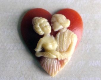18th C Style Heart Cameo, Peach Cream Heart Cameo, Lovers Valentines Day Cameo, Resin Heart Cabochon, Man Woman Costumed Cameo