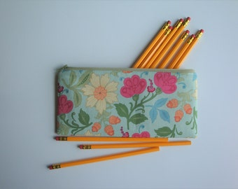 Pencil Pouch, Medium Zipper Pouch, Makeup Brush Pouch, Gift for Her, Floral Accessory, Accessory Pouch, Small Makeup Bag, Cord Keeper Bag