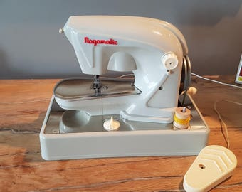 Machine toy Nogamatic vintage 1960's.
