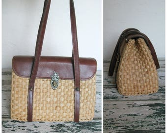 1960's Woven DayTrip Bag// Leather Flap// Footed