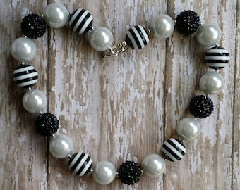 Black and Faux Pearl Chunky Bubblegum Necklace-Children-Toddler-Gift-Photo Prop-Jewelry-Bead Necklace