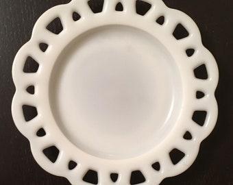 Beautiful, Hazel Atlas white milk glass plate dish with scalloped edge
