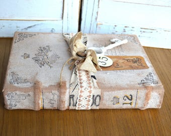 Decorative Book Bundle Vintage French Shabby Cottage Chic Look
