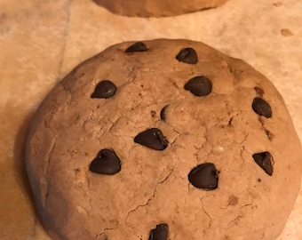 Jumbo chocolate chip cookie bath bomb