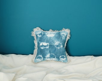 Pillow hand - shibori - indigo - dyed vegetable - dyed cotton and organic hemp - OOAK