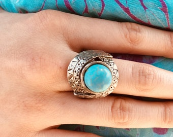 Vintage Blue stament ring