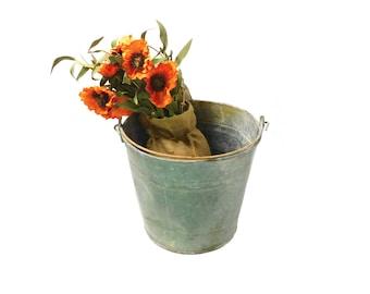 Vintage Galvanized Metal Pail, Rustic Bucket, Farm, Farmhouse, Water Pail, Coutry, Cottage, Barn, Garden, Porch, Patio, B5