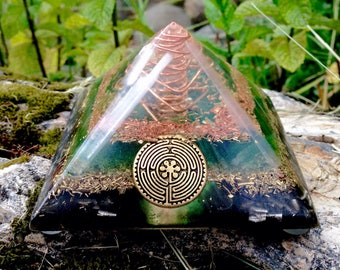 Orgone Pyramid - Sacred Symbol Celtic *Chartres Labrynth Green & Copper