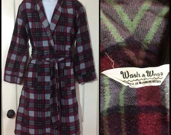 Vintage Men's 1950's Plaid soft Flannel Smoking Jacket Robe looks size Medium burgundy Red Gray Black wash & wear